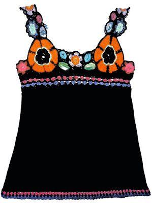 Blusa elaborada en modal negro y tejido a crochet en hilos de diversos colores, Talla M