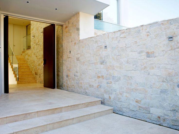 Eco+Outdoor+Coolum+random+ashlar+walling,+design+by+Phillips+Henningham+Architects.+|+Eco+Outdoor+|+Coolum+random+ashlar+walling+|+livelifeoutdoors+|+Outdoor+Design+|+Natural+stone+walling+|+Outdoor+paving+|+Outdoor+design+inspiration+|+Outdoor+style+|+Outdoor+ideas+|+Luxury+homes+|+Paving+ideas+|+Garden+ideas+|+Stone+veneer+|+Stone+walling+|+Stone+wall+cladding+|+Stone+feature+wall+|+Architecture