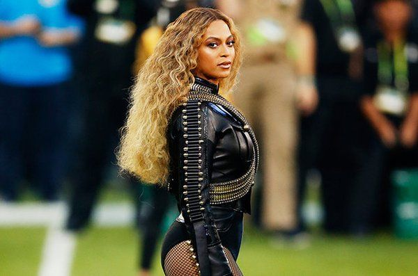 #BoycottBeyonce: Here's Why People Hate Beyonce's Super Bowl 50 Performance - http://www.morningledger.com/boycottbeyonce-heres-people-hate-beyonces-super-bowl-50-performance/1358168/