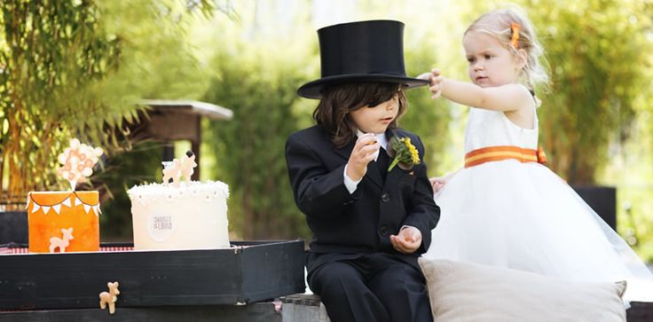 Lachende gezichtjes die jullie opwachten na de ceremonie en ondeugende handjes die stiekem de taart willen aanraken… Kinderen kunnen jullie bruiloft nog leuker maken! Met deze tips hebben jullie gegarandeerd plezier met de minigastjes.