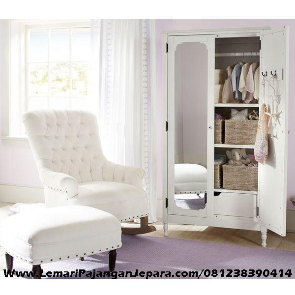 Jual Lemari Pakaian Anak Kaca Cermin merupakan Produk Mebel asli dari Jepara dengan Desain Lemari Pakaian Anak Minimalis dan dilengkapi dengan Pintu Cermin
