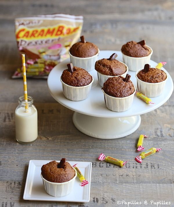 Muffins aux Carambar http://www.papillesetpupilles.fr/2014/06/muffins-aux-carambar.html/