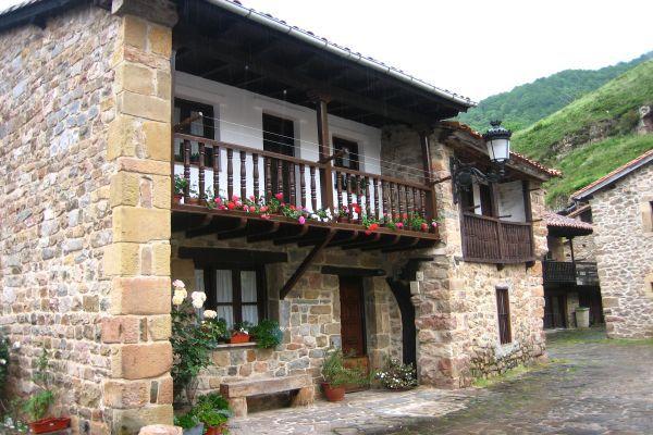 Bárcena mayor, Los Tojos  #Cantabria #Spain
