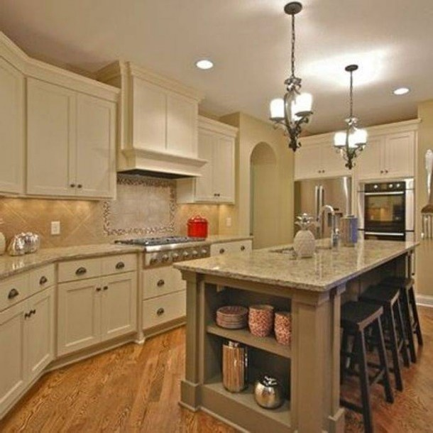 Antique White 6119 By Sherwin Williams In Kitchen And