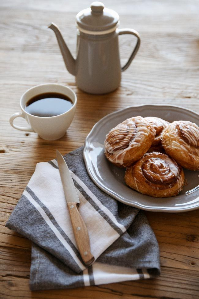 Coffee and chelsea buns
