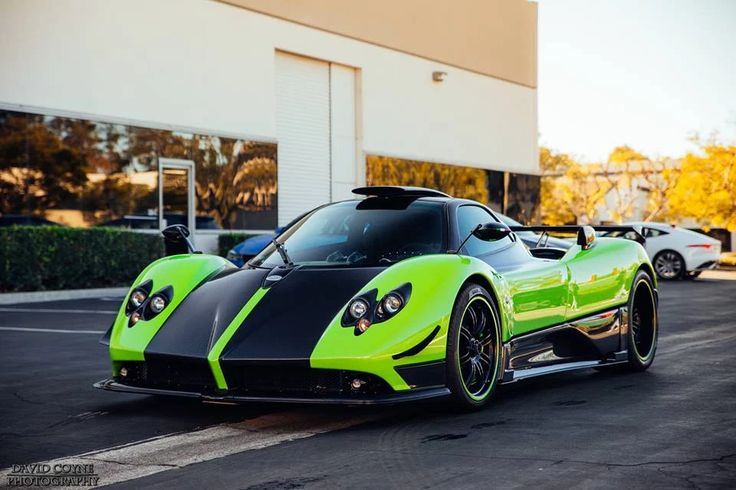 Green and stunning Pagani Zonda Cinque. David Coyne Photography.