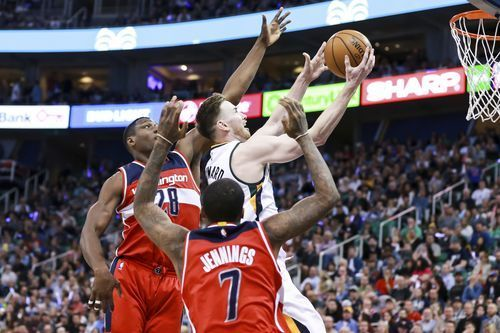 AP                  Published 11:45 p.m. ET March 31, 2017 | Updated 21 minutes ago        Utah Jazz forward Gordon Hayward goes between Washington Wizards center Ian Mahinmi (28) and Washington Wizards guard Brandon Jennings (7) to get to the basket during the third quarter of NBA...  http://usa.swengen.com/gobert-hayward-power-jazz-to-95-88-win-over-wizards/