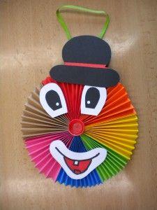Výsledek obrázku pro klaun z papíru