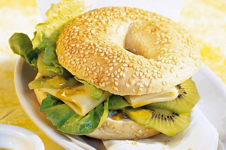 Das Rezept für Bagel mit Kiwi + Appenzeller