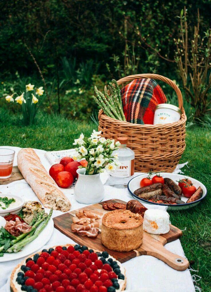 Еда для пикника на природе фото