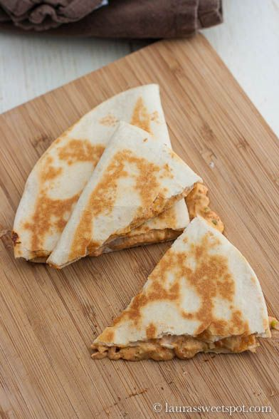 Just Like Taco Bell- Chicken Quesadillas!....i'd try this w/o the chicken & using whole wheat tortillas because i do love that sauce!