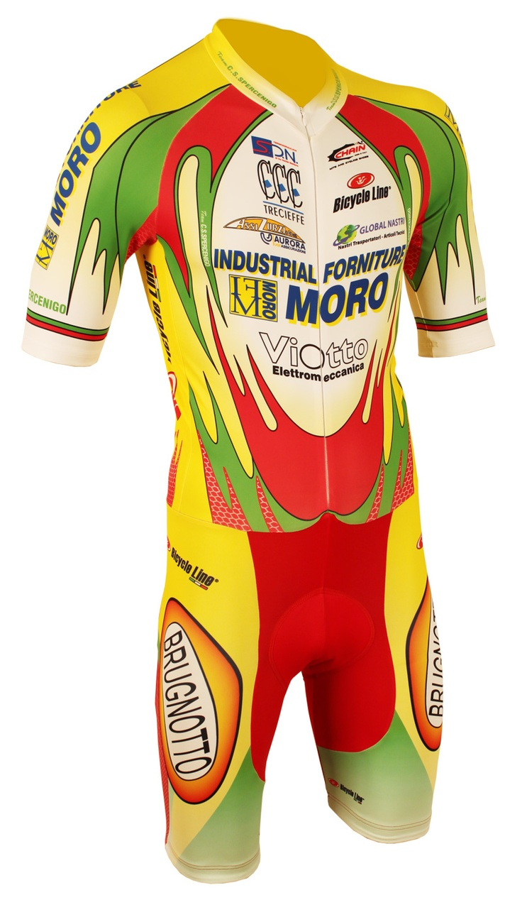 Custom cycling wear for groups by Bicycle Line