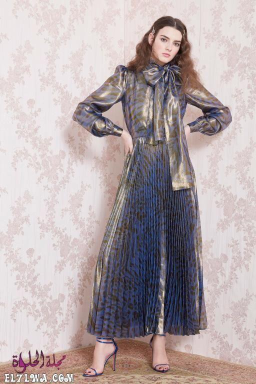 فساتين سهرة محتشمة 2021 صور فساتين محجبات 2021 تبحث المرأة العربية العاشقة للإطلالة المحتشمة والراقية في البحث عن تص Fashion Fashion Show Autumn Fashion Women