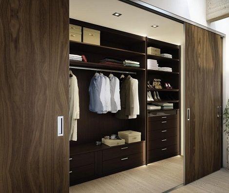 Hulsta kast inloop interieur schuifdeuren hout noten roomdivider tussen kamers of kast