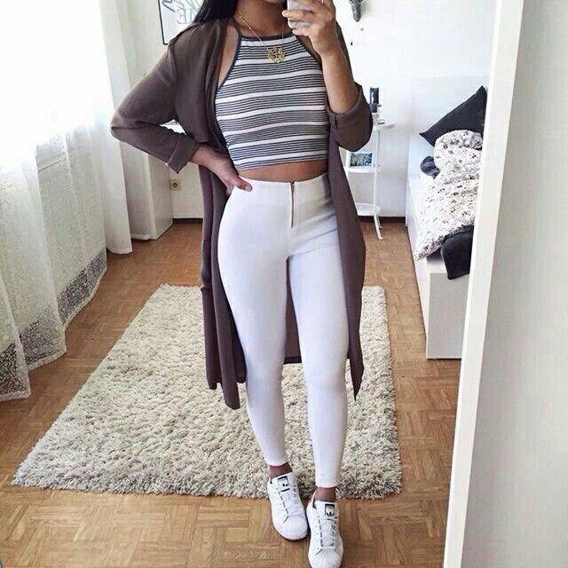 Das Outfit von Natalie. Dies wird ihr Outfit beim Fußballspiel und Training sein. S … – Outfit ideen