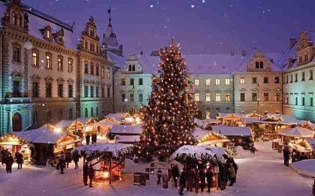 Beautiful Oslo in Christmas #Norway ☮k☮ #Norge                              …