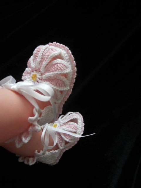 Crochet Baby Gerbera booties, Crochet baby girl booties, Pink baby girl shoes, Baby girl sandals