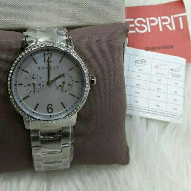 Saya menjual Jam Tangan Wanita Esprit EW108092001 Silver Rantai Original Murah seharga Rp1.580.000. Dapatkan produk ini hanya di Shopee! https://shopee.co.id/azshop30/216423230 #ShopeeID