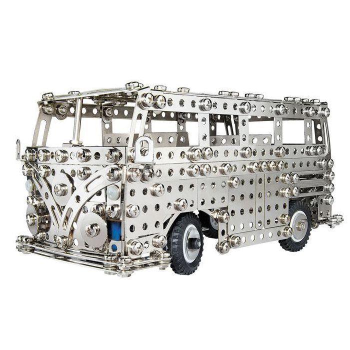"""КОНСТРУКТОР """"АВТОБУС"""" 01955 EITECH ИМЕЕТ ЗВУКОВОЙ СИГНАЛ!  Вашему ребенку доставит большую радость ездить в прошлое с этим культовым классичесикм автобусом.  Возможно построить оригинальный VW автобус или бортовой грузовик. Подробные инструкции прилагаются.  Предназначен для развития трехмерного мышления, творчества и обучения, и, конечно - удовольствия! Шаг за шагом иллюстрированные инструкции помогут легко следовать всем шагам.  Конструктор предназначен для детей, чтобы осуществлять свои…"""