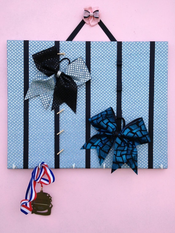 how to make a paracord cheer bow holder