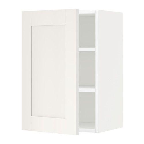 METOD Nástěnná skříňka s policemi IKEA Díky nastavitelné polici si vnitřní prostor upravíte podle vašich potřeb.