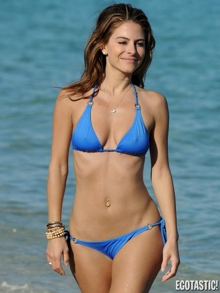 beach Maria pokies menounos