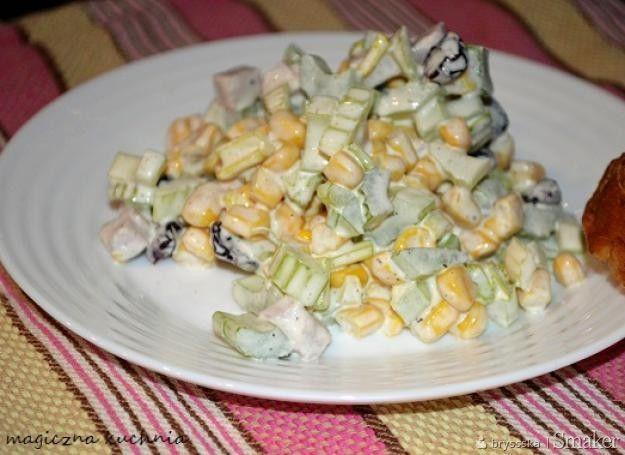 Chrupiąca sałatka z selerem naciowym i żurawiną