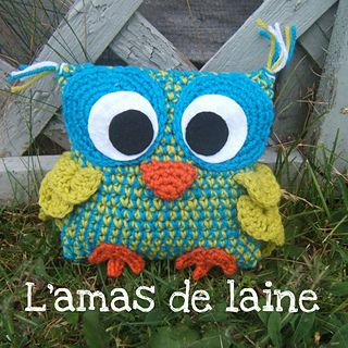 CROCHET PATTERN Square Buddy The owl - A little square, pillow, plushie for your little ones in the shape of an owl! Free pattern!