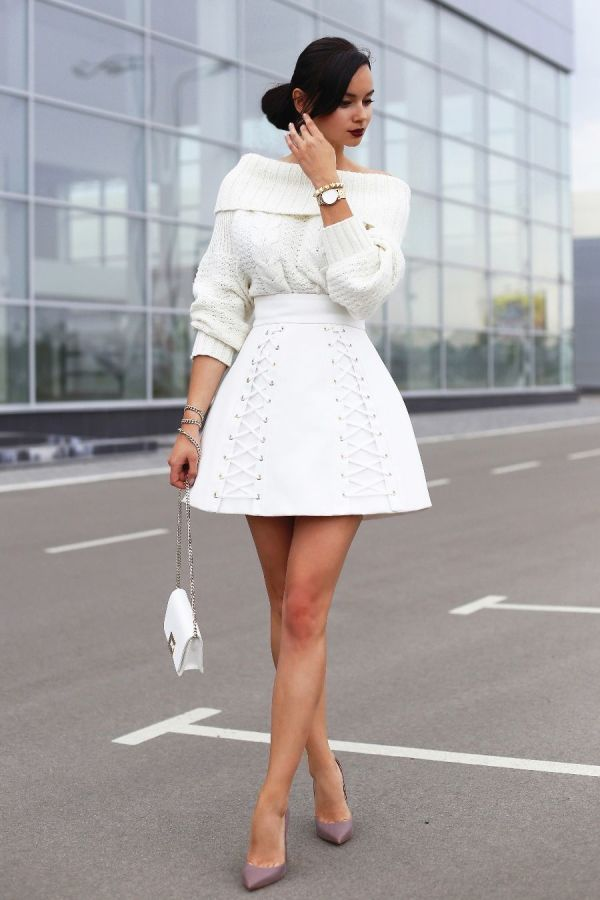 I have recently become a fan of Elisabetta Franchi, since my last European trip.  Today I'm wearing the same brand white high waisted skirt with lace-ups, mini crossbody bag and golden heel pumps in ash rose colour. #Elegant #Bottom #Classic #Shoes #Trendy