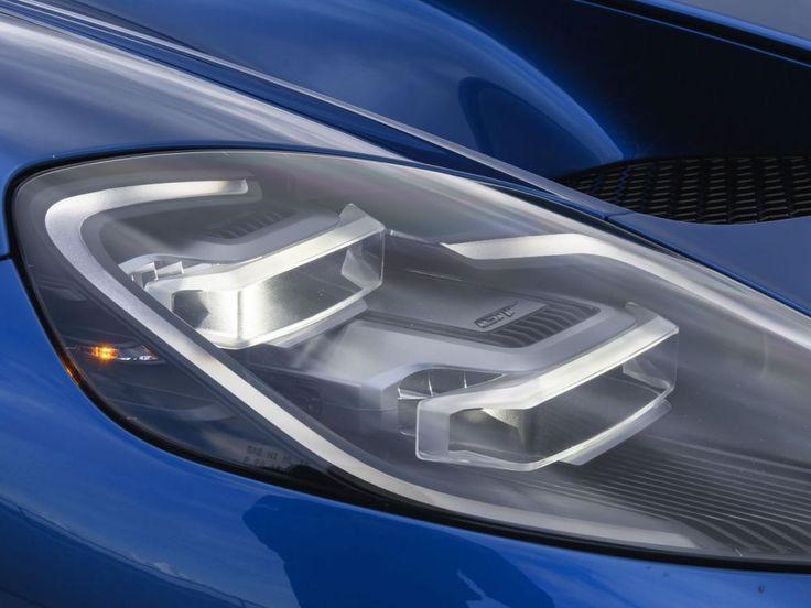 Limitée à 1000 exemplaires, la Ford GT est une véritable voiture de course homologuée pour la route. Elle est plus exclusive qu'une Ferrari.