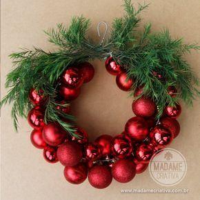 Cómo hacer una corona de Navidad con Hanger - Consejos y paso a paso con imágenes - Cómo hacer una corona con una percha y bolas de Navidad - DIY - Tutorial - Madame Creativo - www.madamecriativa.com.br