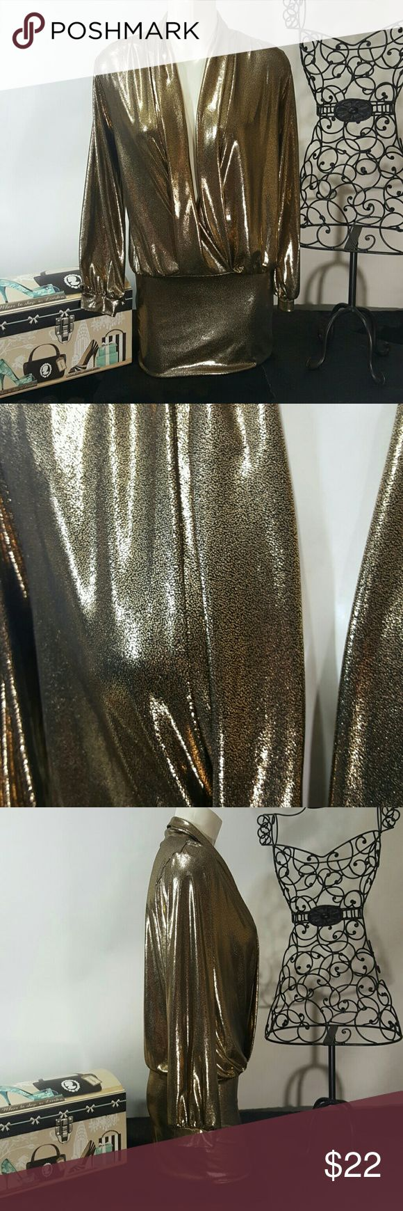 Preloved gold going out dress Very flattering and very low cut in front,  great for a night out on the town wenjle Dresses Mini
