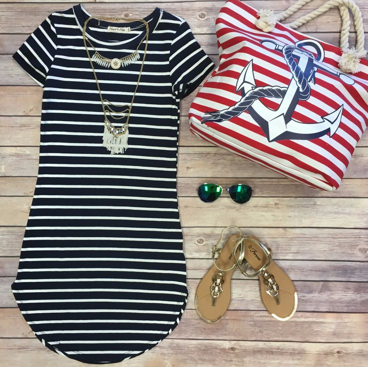 The On the Horizon Tunic Dress in Navy is striped, fitted, and oh so fabulous! A great basic that can be dressed up or down! Sizing: Small: 0-3 Medium: 5-7 Large: 9-11 True to Size with a Stretchy, Fi