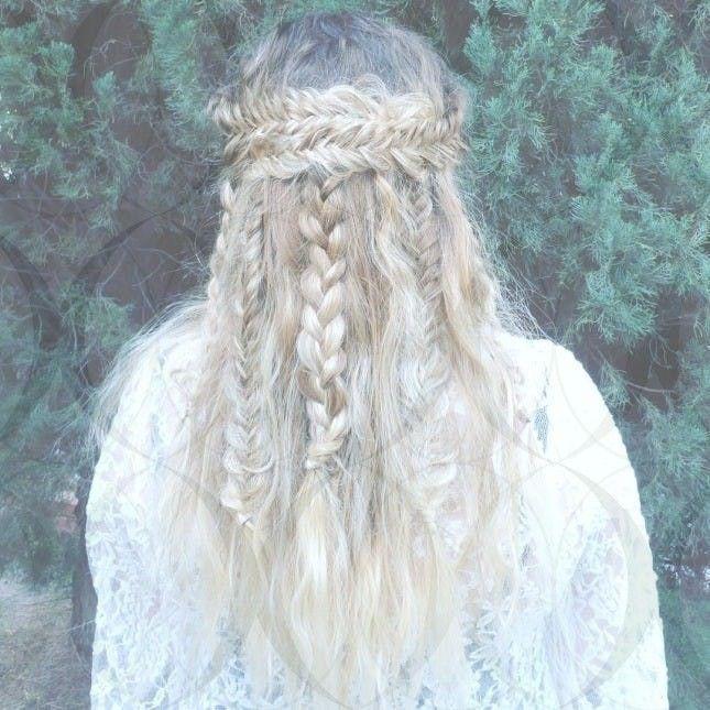 10+ Hervorragende Damen Frisuren Beach Waves Ideen   - Women Hairstyles Modern - #Beach #Damen #Frisuren #hairstyles #Hervorragende