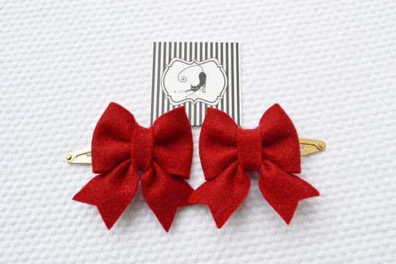 Hair clips bow set in red / Handmade with 100% Wool by CraftyCatgr