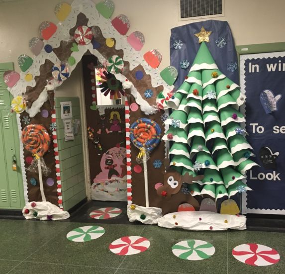 Pin By Lauren On Cute Classroom Doors Christmas Classroom Door Classroom Christmas Decorations Door Decorations Classroom Christmas