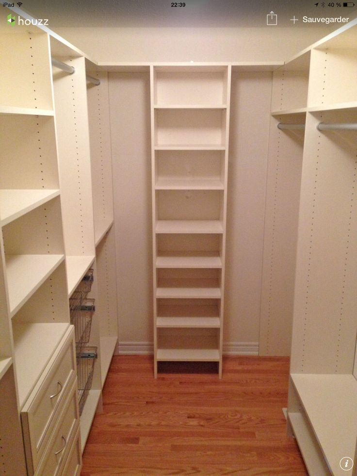 Walk in rangement pinterest closet layout closet for Walk in closet remodel