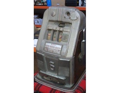 """Vintage / Antique """"APEX 6"""" One Armed Bandit Poker Machine - runs on Australian 10cent piece or American quarters. In working Order- three reel unit, unit is running and pays out on wins. Rare piece to find in Australia especially in working order"""