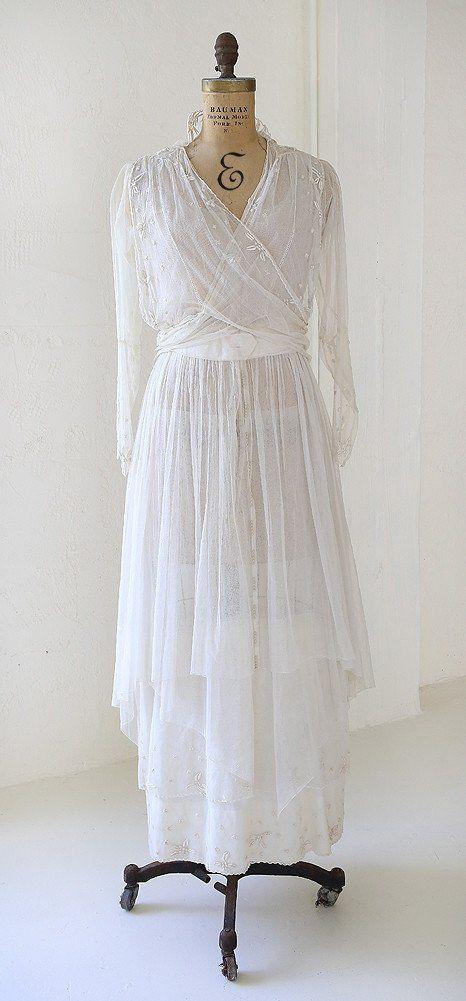 Lovely Vintage 1910s Edwardian Embroidered Wedding Dress Tea Gown