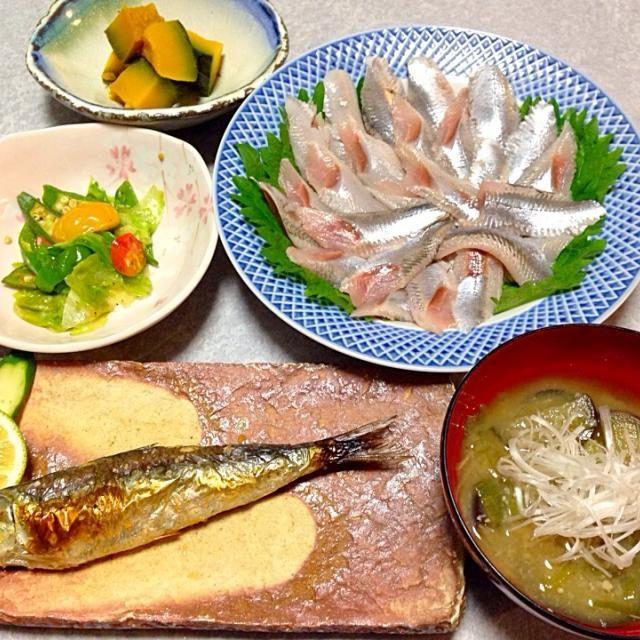イワシのお刺身、 イワシの塩焼き、 ナスの味噌汁、 野菜炒め、 カボチャの煮付け です。 - 21件のもぐもぐ - 夫が イワシを買って帰ったので(^_^;) by orieueki