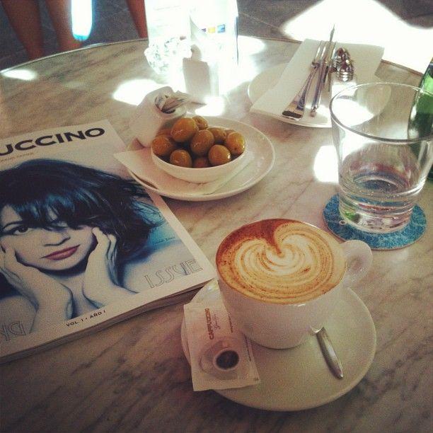 Näissä merkeissä alkoi Mallorcalla työskentelevän oppaamme Miran aamu. Sydämellinen kahvi! | Holiday is where the Heart is! | www.tjareborg.fi