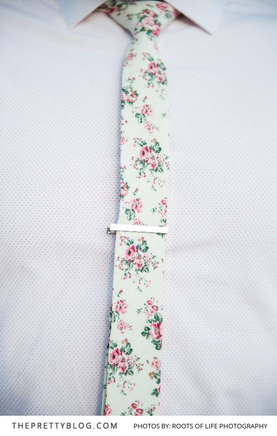 Love this floral tie for the groom or groomsmen | Photograph by Roots of Life Photography