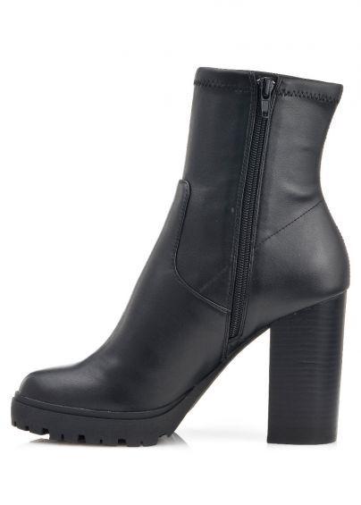 Steve Madden γυναικεία παπούτσια Γυναικεία ψηλοτάκουνα μποτάκια με φερμουάρ στο πλάι Διαθέσιμα χρώματα: μαύρο Με τακούνι ύψους 11 εκ. και φιάπα ύψους 2 cm Λαστιχένια σόλα
