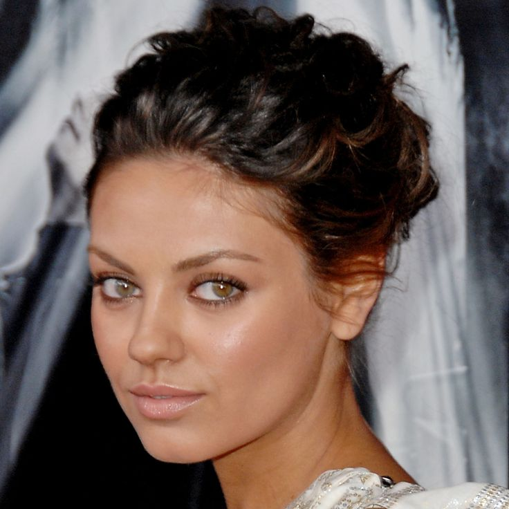 mila kunis kate bosworth and 6 stars with different eye colors