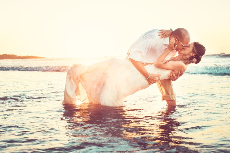 Sunset trash the dress photo shoot in the lake at Waskesiu. I'm gonna cry this is so perfect. Now I just need a man.