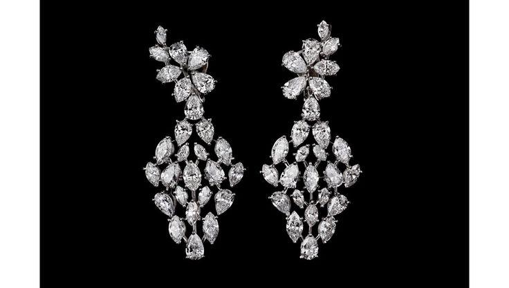 Alexandre Reza boucles d'oreilles River en diamants http://www.vogue.fr/joaillerie/shopping/diaporama/boucles-d-oreilles-diamants-de-fetes/21603/image/1123307