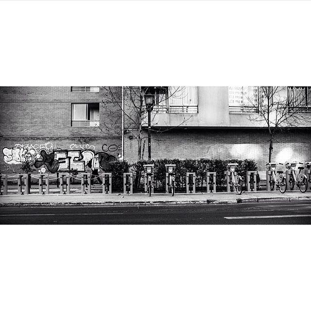 Aun quedan bicicletas disponibles.  Es la fotografía de Hugh Honeyman que nos maravilla con cada imagen que nos comparte.  Sigue su instagram @piscochile y visita su web www.flickr.com/photos/piscochile  Aprovecha este fin de semana y etiqueta tus fotos con el HT #comunidadfotografía o envíanos un correo a fotodeldia@comunidad fotografía.cl con una descripción y tu web.  ¡Buen sábado!