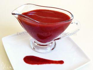 Salsa de Fresas ~ Coulis de Fresas Ideal para acompañar tortas, helados... Receta http://denikatessen.blogspot.com.es/2013/04/salsa-de-fresas-coulis-de-fresas.html
