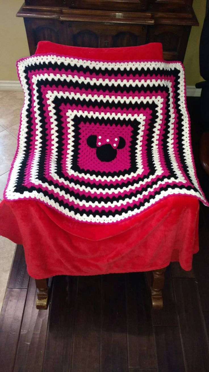 Crochet Minnie Mouse Baby Blanket by ICanCrochetIT on Etsy