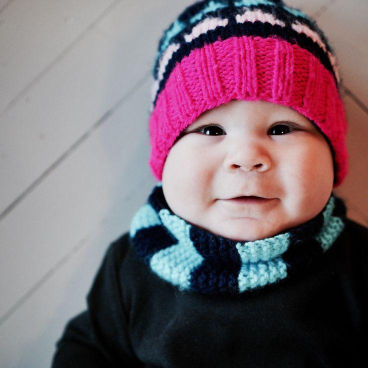 Knitting pattern for a modern balaclava for babies. https://www.etsy.com/shop/TeaTimeKnitters?ref=hdr_shop_menu